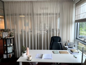 Aizkari biroja telpās